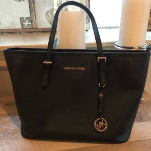 Large Black Michael Kors 🖤 Purse